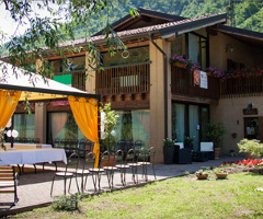 bed and breakfast gardone - la cascina dei gelsi